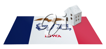 Small house on a flag - Living or migrating to Iowa