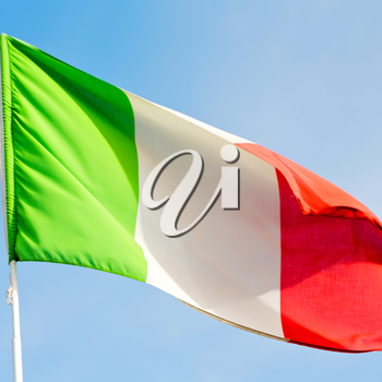 waving flag in the blue sky italy   colour and wave