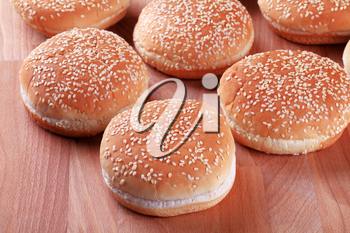 Hamburger buns�with sesame seeds on top