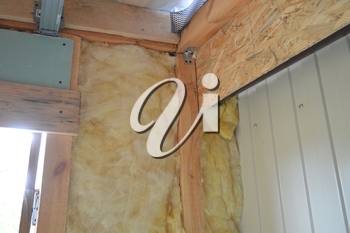 Insulation of walls and ceiling with mineral wool